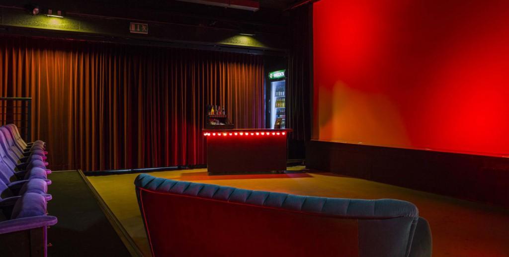 Wolfsburg – Kino im Hallenbad